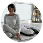 Mélodie professeure de yoga e psychologue