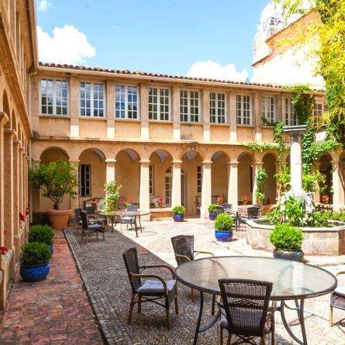 Retraite Yoga en Provence avec bibliothérapie